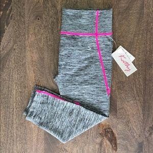 Pants - Cropped Yoga Leggings
